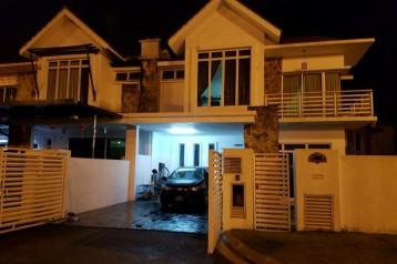 Double storey Taman perling