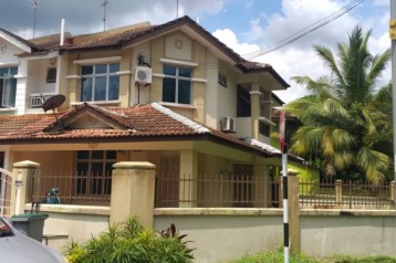 FOR RENT DOUBLE STOREY HOUSE CORNER LOT @ TMN PULAI PERDANA