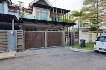 For Sale : Casa Amyra