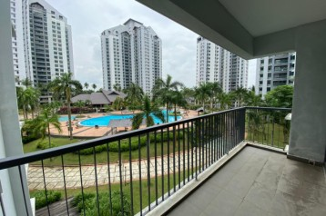 For Sale : Straits View Permas Jaya Condominium