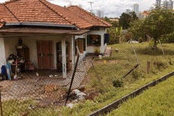 single storey bungalow  for sale