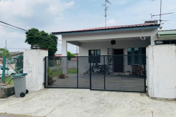 TAMAN TUN AMINAH SINGLE STOREY LOW COST CORNER